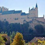 セゴビアのおすすめ観光スポット!水道橋と白雪姫の城を見に行こう